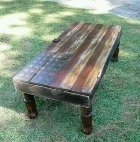 Outdoor Pallet Accent Table