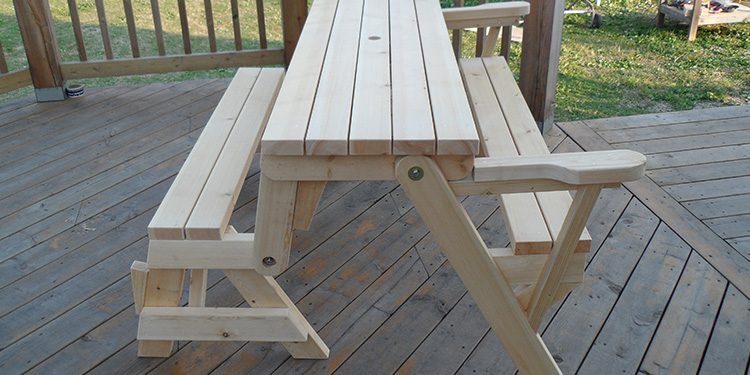 Build A Folding Picnic Table With 2x4s