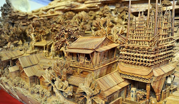 Worlds Longest Wooden Carving by Zheng Chunhui 2